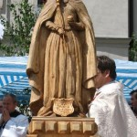 figura św. Jadwigi Królowej poświęcona przez ks. bpa Kazimierza Górnego w czasie Uroczystości